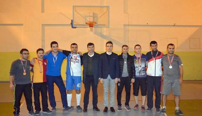Öğretmenler gününe özel voleybol turnuvası