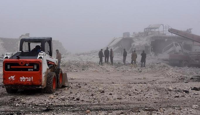 """Suriye'de 747 """"yaşam merkezi"""" bombalandı"""