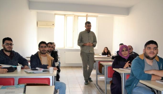 Suriyeli gazeteciler Türkçe öğrenecek