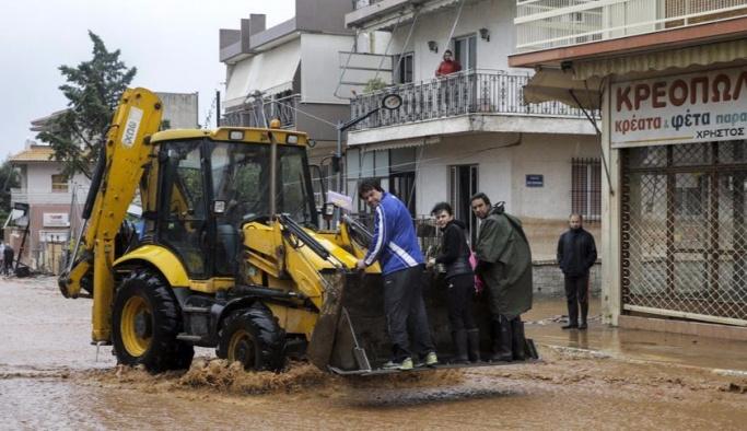Yunanistan selle boğuşuyor, Türkiye yardım teklifinde bulundu