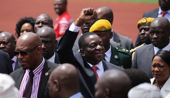 Zimbabve'deki darbede son durum: Yeni başkan yemin etti
