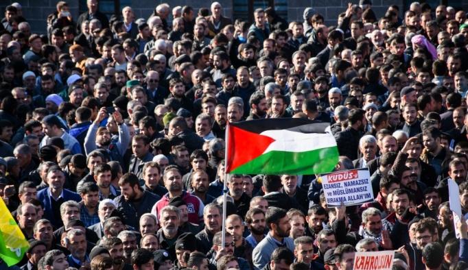 ABD'nin Kudüs'ü İsrail'in başkenti olarak tanımasına tepkiler