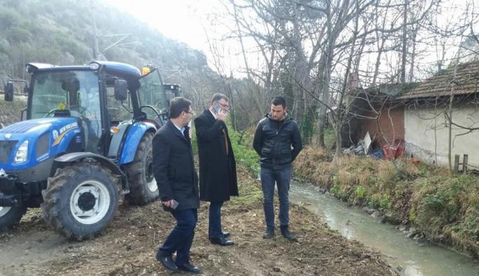 Başkan Duymuş, sulama kanalı tanzim çalışmalarını yerinde inceledi