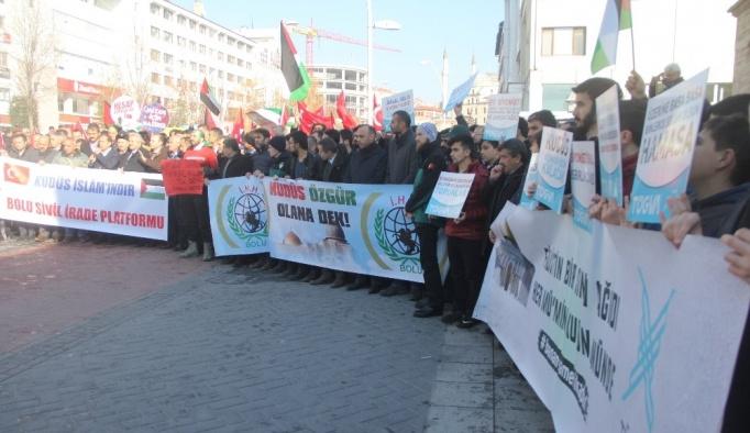 Bolu'da yüzlerce kişi İsrail ve ABD'yi protesto etti