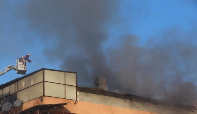 Esenler'de fabrika yangını