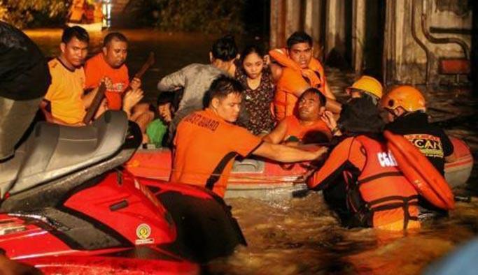 Filipinler'de tropikal kasırga: 90 ölü