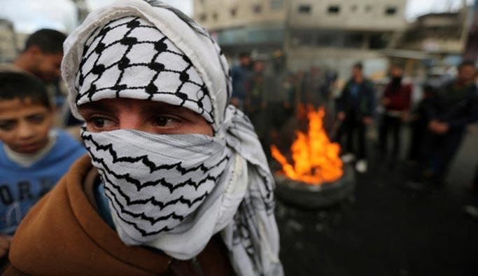 Filistin'de korkulan oldu: Mahmut Abbas silahlı direniş çağrısı yaptı