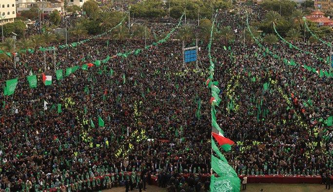 Gazze'de onbinler Kudüs için meydanlarda