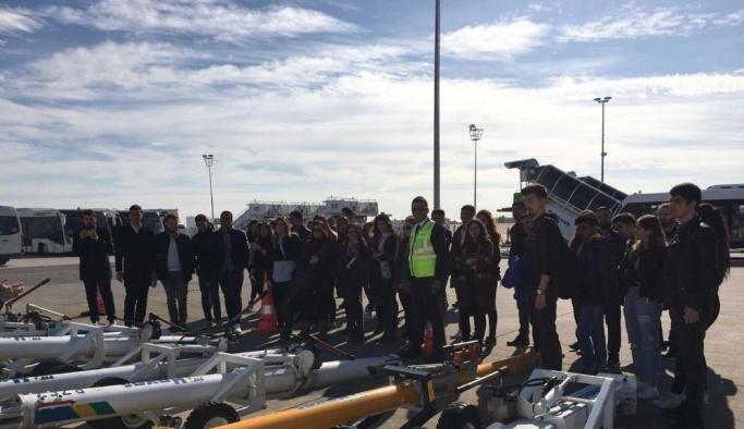 Havacılık Öğrencileri Antalya Havalimanı'nda