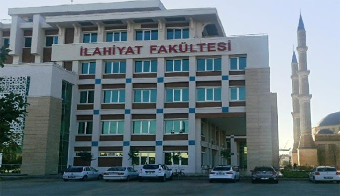 İlahiyat Fakültesi mezunlarına MEB'den müjde