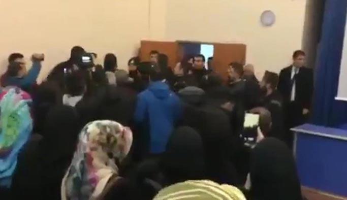 Mehmet Göktaş'ın konferansına saldırı