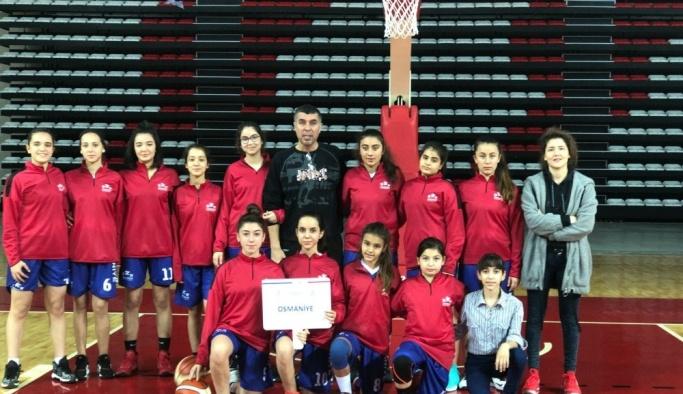 Osmaniyeli basketbolcular çeyrek finale yükseldi