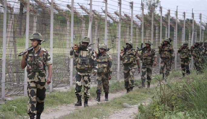 Pakistan-Hindistan sınırında çatışma: 3 ölü