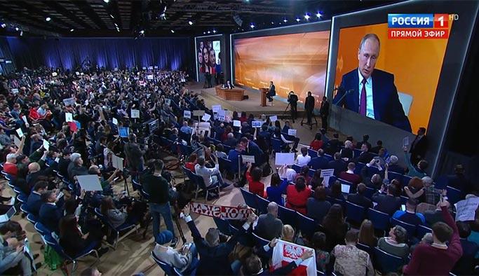 Putin'den salonu kahkahaya boğan fıkra