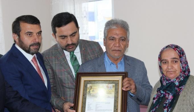 Şehit Tayfun Kavun'un ailesine şehadet belgesi verildi
