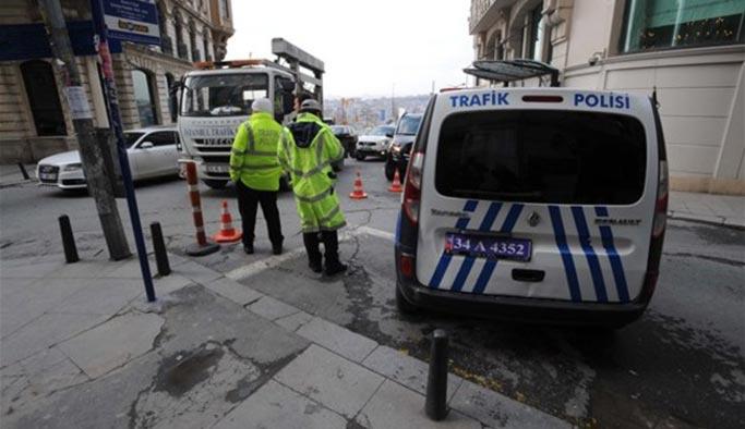 Taksim Meydanı'na çıkan yollar trafiğe kapatıldı