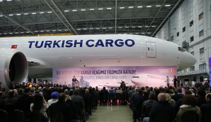"THY'nin ""Boeing 777"" kargo uçağının teslim töreni"