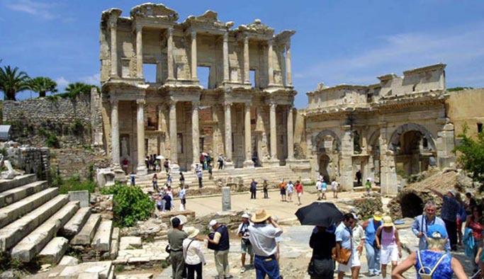 Turist sayısında yüzde 22 artış var