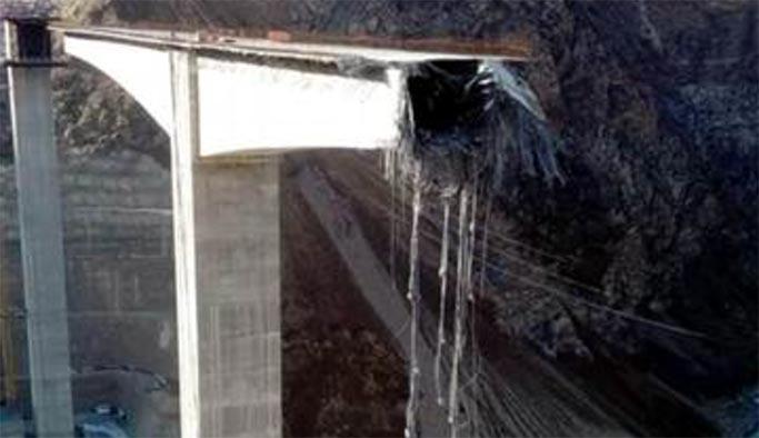 Türkiye'nin en yüksek viyadüğü inşaatı bitmeden çöktü
