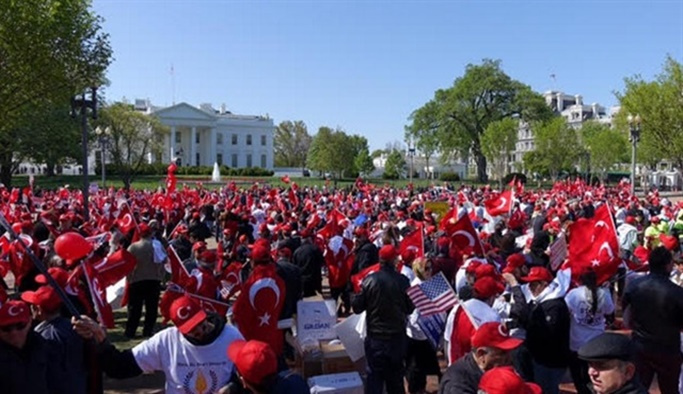 Türkler Beyaz Saray önünde 'Kudüs' için toplanıyor
