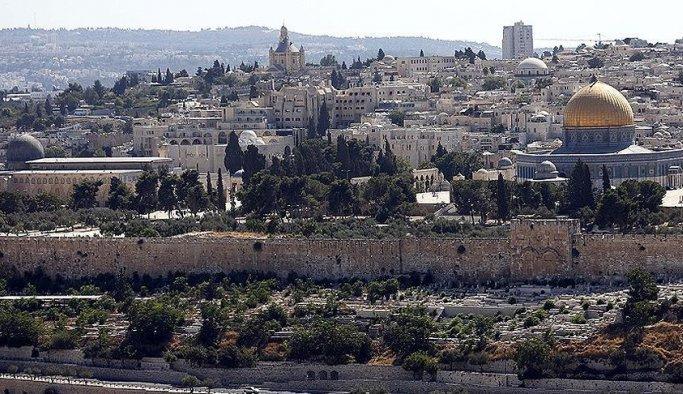 Yahudi fanatikler bugün de Mescid-i Aksa'ya girdi