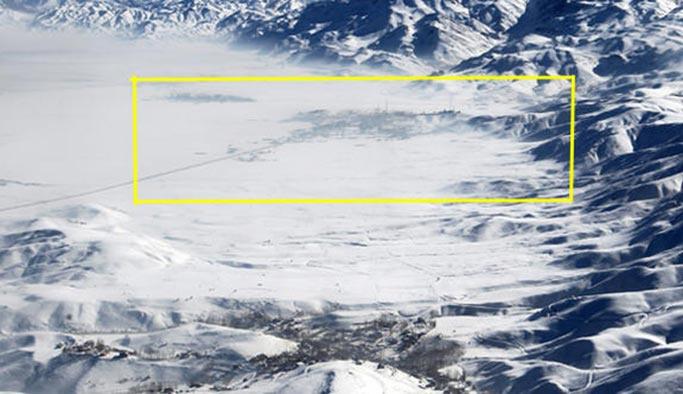 Yüksekova kar altında kayboldu