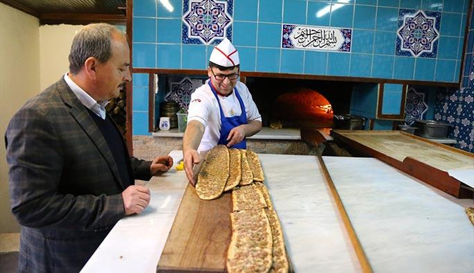 Afrin'deki komandolara 'etli ekmek' takviyesi