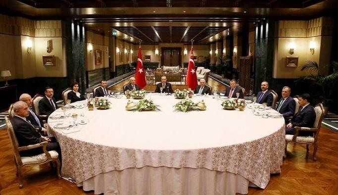Yasama, yürütme ve yargı temsilcileri yemekte buluştu