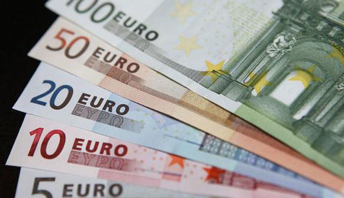 Euro 2 ayın en düşük seviyesinde
