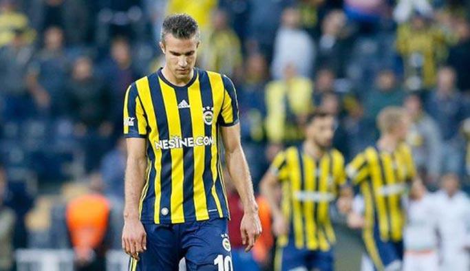 Fenerbahçe Robin Van Persie defterini kapattı