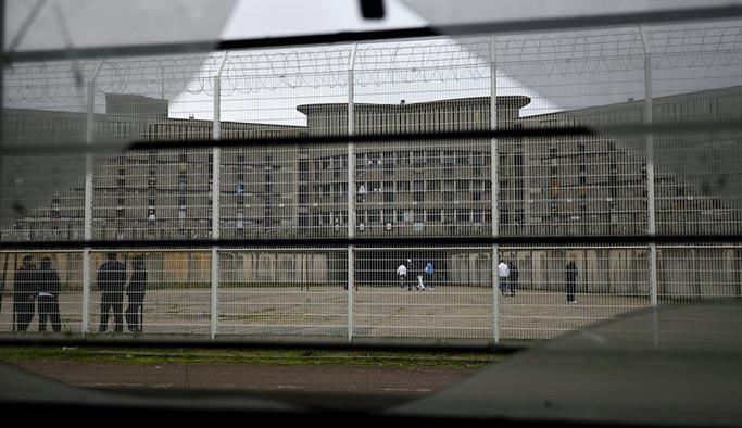 Fransa'da mahkumlar isyan etti