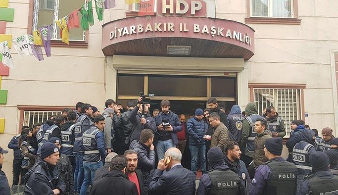 HDP Diyarbakır'da eylem girişimi, polis izin vermedi