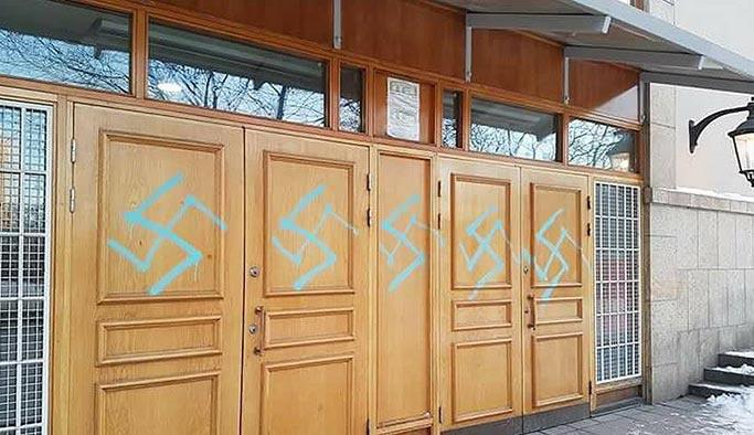 İsveç'te camiye ırkçı saldırı