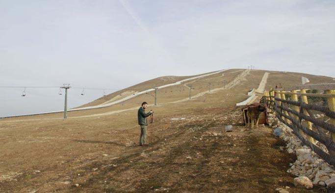 Kar yağmadı, kayak merkezleri sinek avlıyor