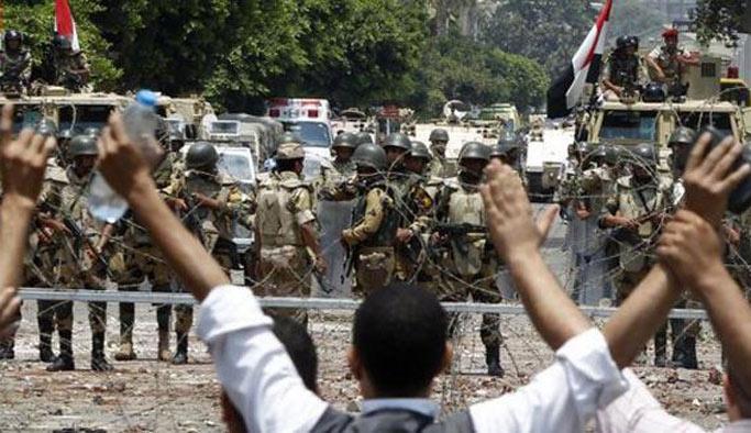 Mısır'da darbe karşıtı 51 kişiye hapis kararı