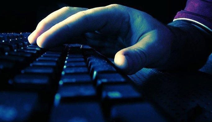 Şiddet ve hakaret içeren paylaşımlara ceza yağdı