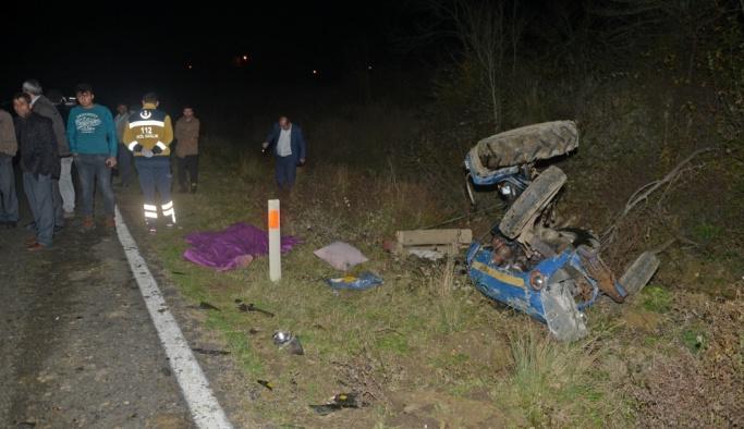 Sinop'ta otomobille traktör çarpıştı: 1 ölü
