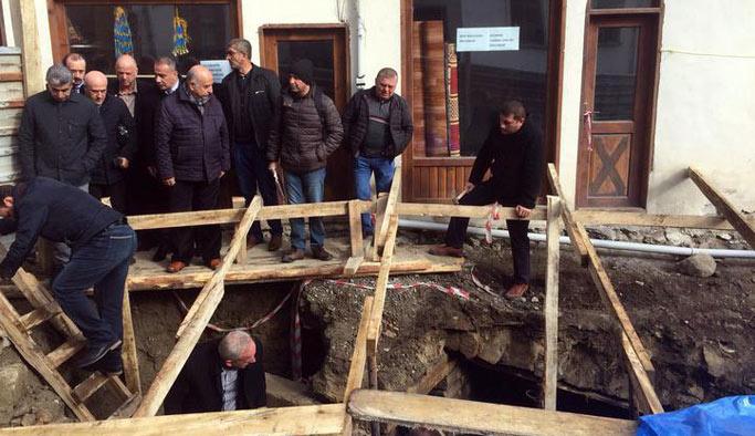 Tarihi yapı, mezar odası çıktı