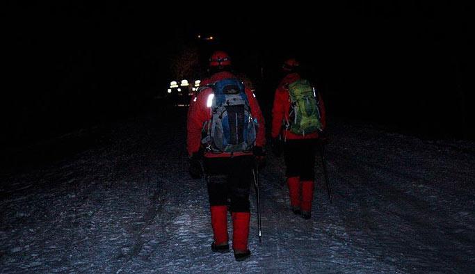 Uludağ'da mahsur kalan 3 kişiyi kurtarma çalışmaları devam ediyor