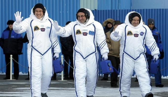 Uzayda 3 hafta kalan astronot 9 santim uzadı