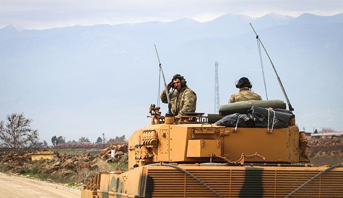 Yeni komando birlikleri ant içtikten sonra Afrin'e hareket etti