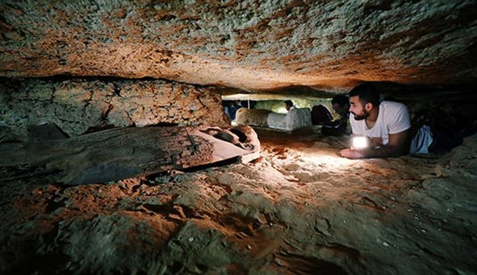 3 bin yıllık 8 firavuna ait mezar bulundu