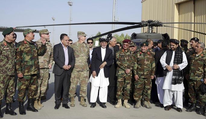 Afgan ordusunda 'general kıyımı'