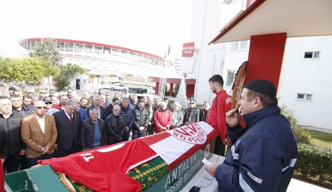 Antalyaspor'un eski futbolcusu hayatını kaybetti