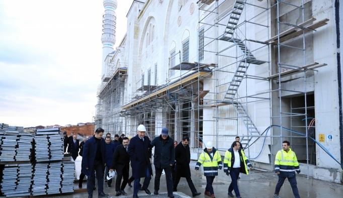Başkan Uysal, Çamlıca Camisi inşaatını inceledi
