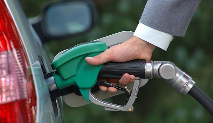 Benzin ve motorine 13 kuruş zam geliyor