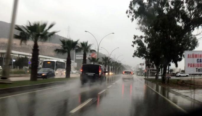 Bodrum'da yağmur yaşamı olumsuz etkiledi