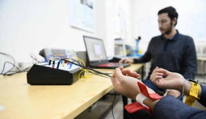"""Ege Üniversitesinde """"yerli tıp cihazı"""" çalışması"""