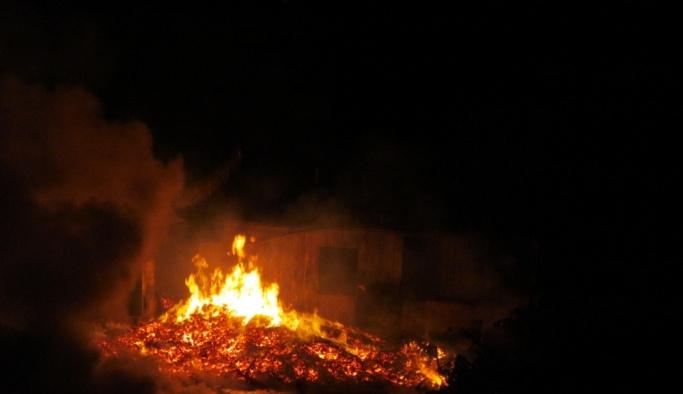 GÜNCELLEME - Kocaeli'de palet fabrikasının depolama alanında yangın