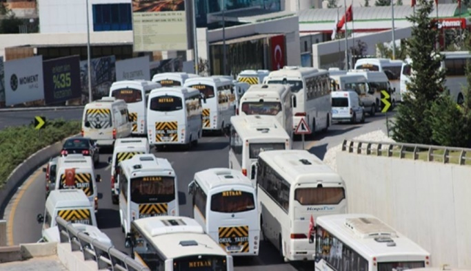 İstanbul'da 16 bin servis aracı trafiğe çıkıyor